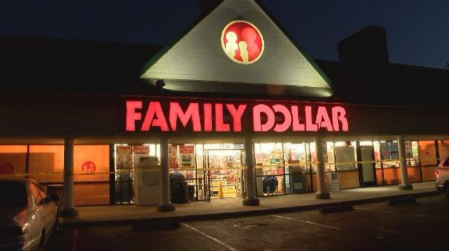 Man stabbed in front of Family Dollar store, suspects steal his bike