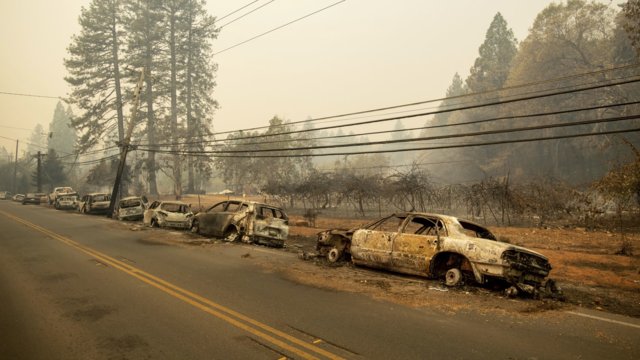 5 found dead in cars as fire incinerates northern California town