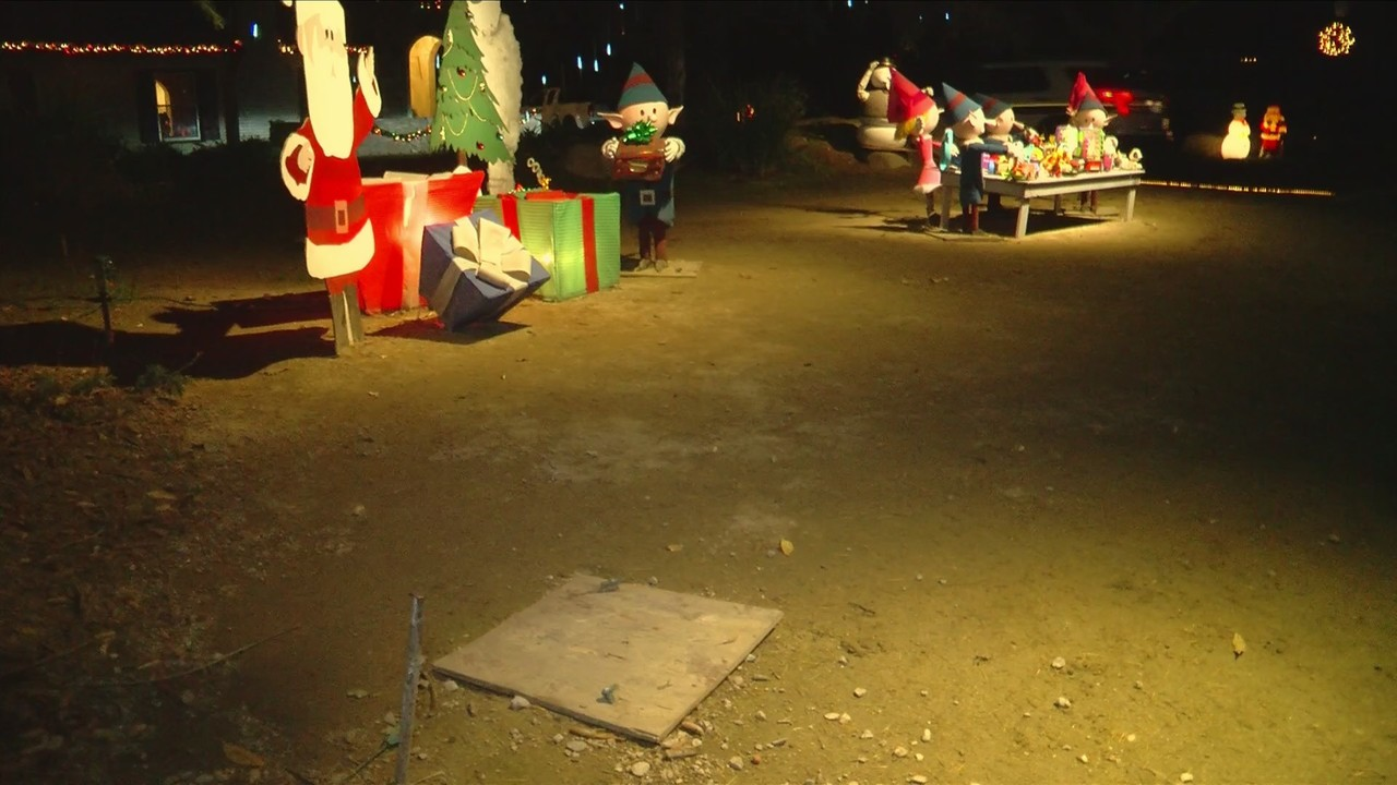 Real Life Grinch Steals From Christmas Tree Lane Display Owner