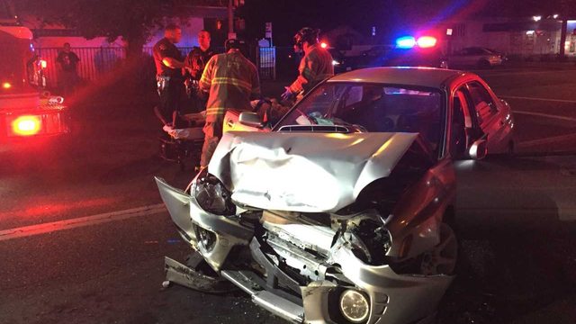 DUI driver causes head-on crash in Fresno. Open beer bottles found inside his car, police say